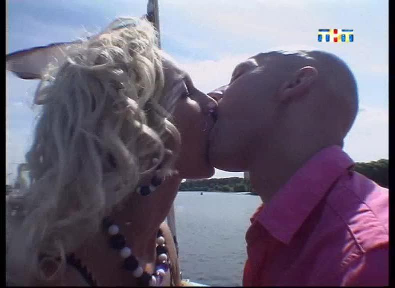 seks-tretyakova-i-buzovoy-v-dome-2
