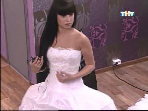 Нелли Ермолаева в свадебном платье