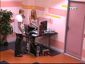 Оля не дает Илье компьютер