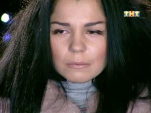 Катя Колисниченко плачет