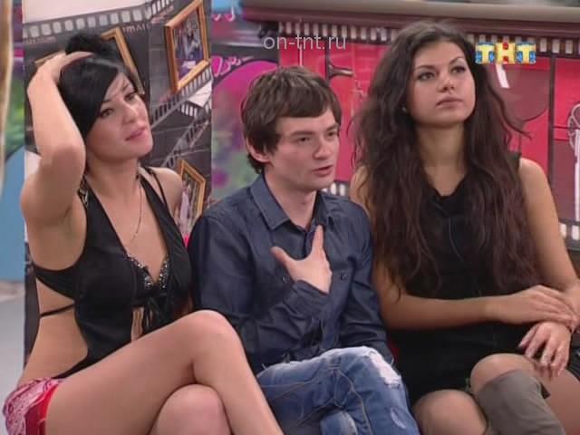 Венц, Даша и Аня ждут песни Алианы