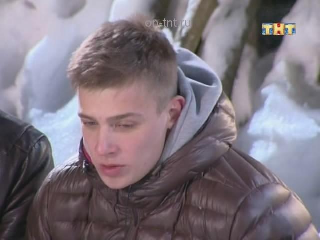 Олег Маями говорит ребятам, что поедет на работу в любом случае